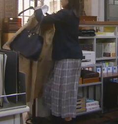 第4話 吉高由里子 スカート2.jpg
